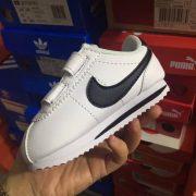 Giày sneaker nike trắng