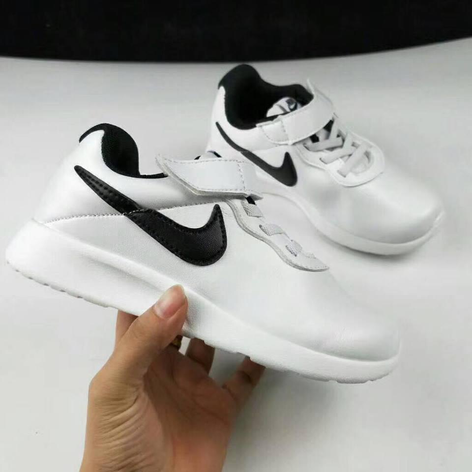 Giày nike dán dính - TE0480