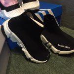 Cận cảnh đôi giày với không đường may vô cùng tinh tế.