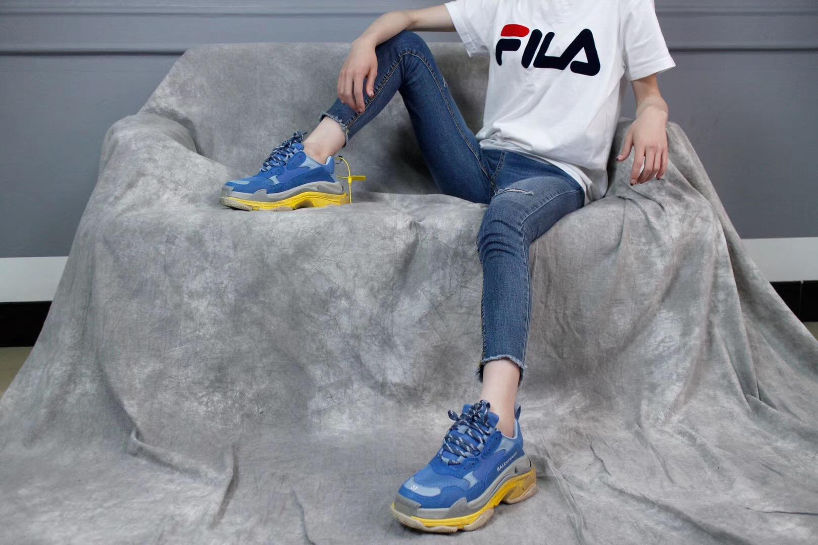 Giày Balenciaga Triple S màu xanh