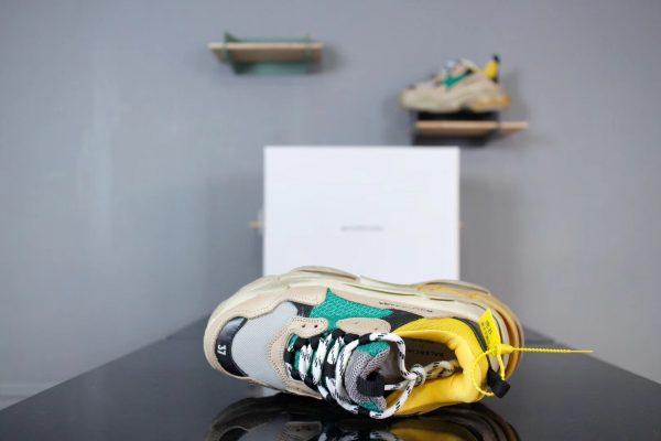 Giày Balenciaga Triple S màu xanh ghi