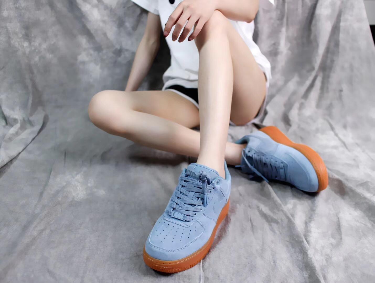 Giày Nike Air Force 1 Màu Xanh Nữ Tính