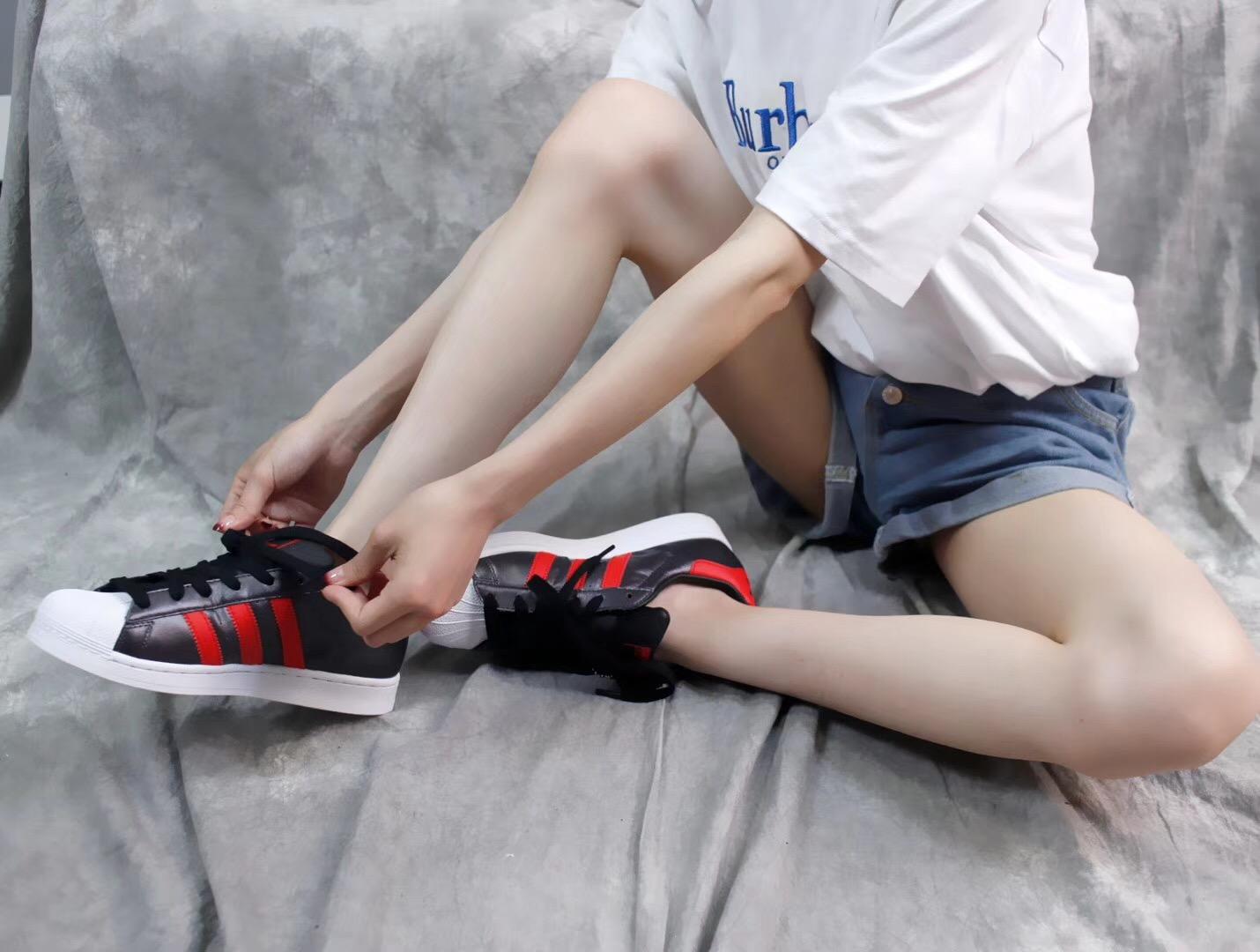 Giày thể thao Adidas Super Star Đen Đỏ