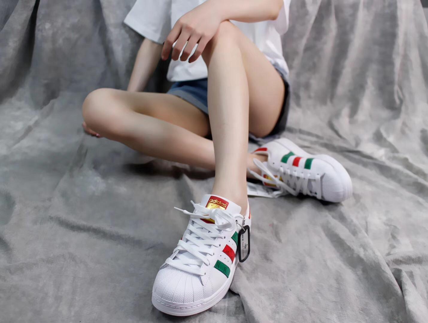 Giày Adidas Super Star Foot Locker