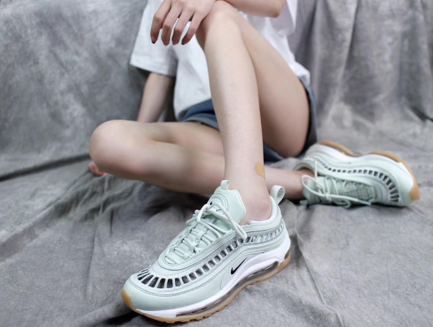 Giày Nike Air Max 97 UL 17