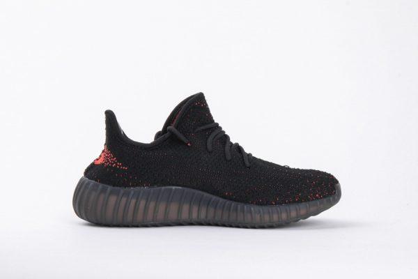 Giày AdidasYeezy Boots 350 V2 màu Đen vạch đỏ