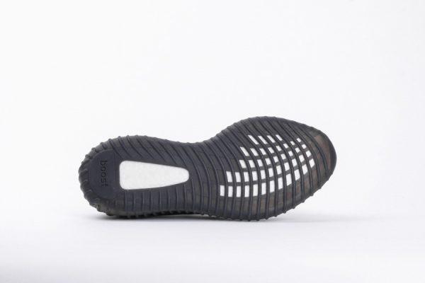 Giày Adidas Yeezy Boots V2 Màu Đen xọc trắng
