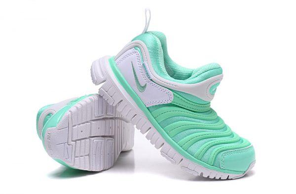 Giày nike sâu trẻ em màu xanh