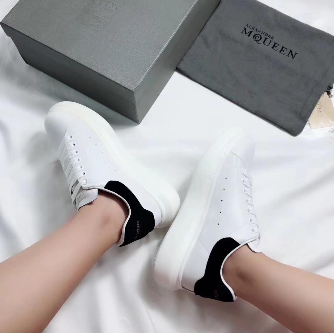 Giày Alexander mcqueen gót đen