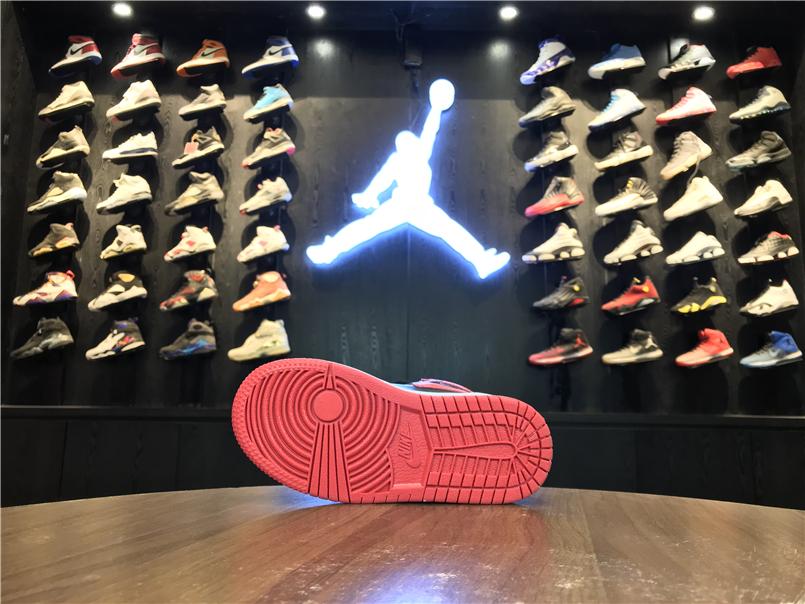 Giày Nike Jordan 1 Retro 2 màu đỏ đen