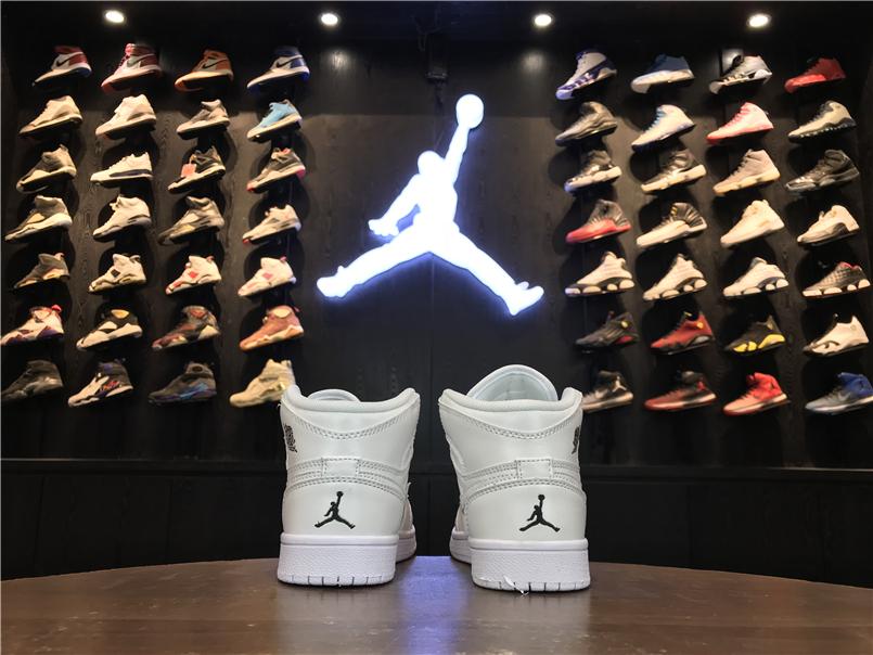 Giày Nike Jordan 1 Retro màu full trắng