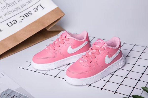 Giày thể thao trẻ em nike air force 1 màu hồng