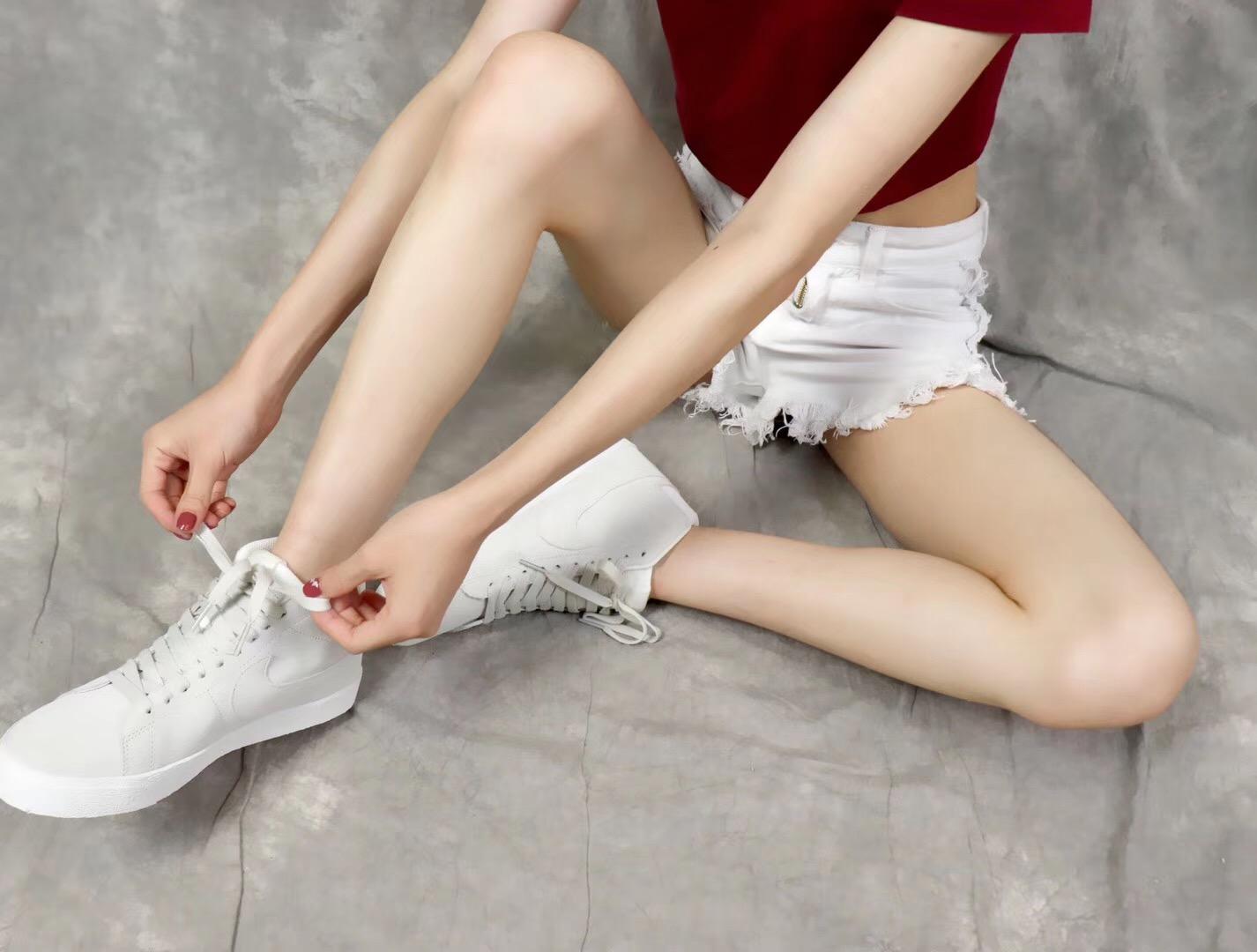 Giày nike nữ SB màu ghi