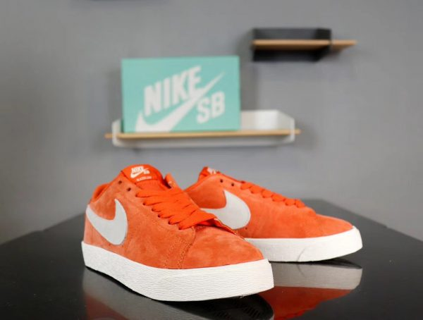 Giày nike nữ SB màu cam