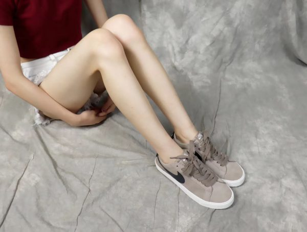 Giày nike nữ SB màu nâu đất