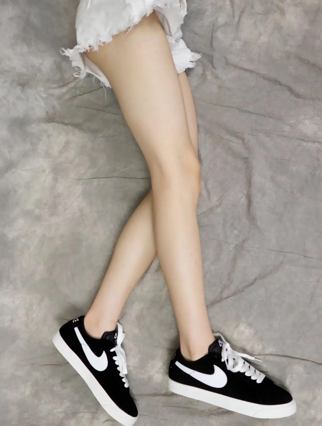 Giày nike nữ SB màu đen trắng cổ ngắn
