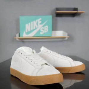 Giày nike nữ SB màu trắng sữa