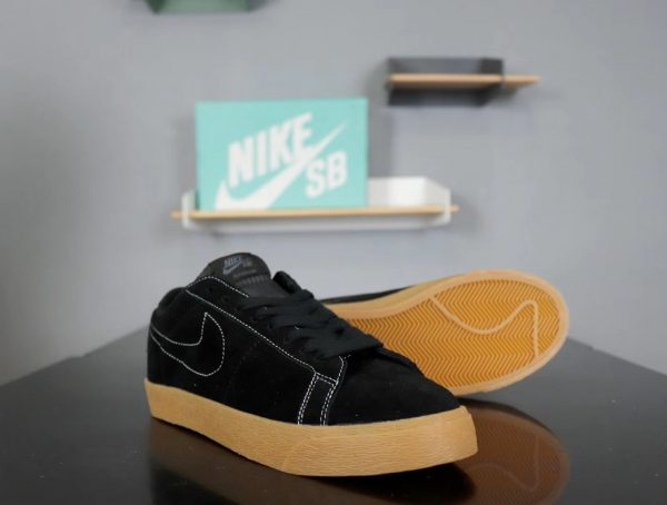 Giày nike nữ SB màu đen đế kếp