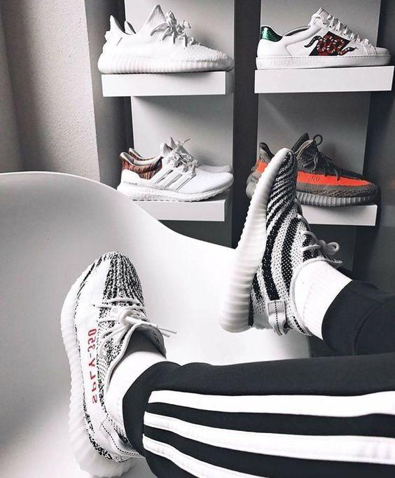 Giày adidas yeezy boost v2