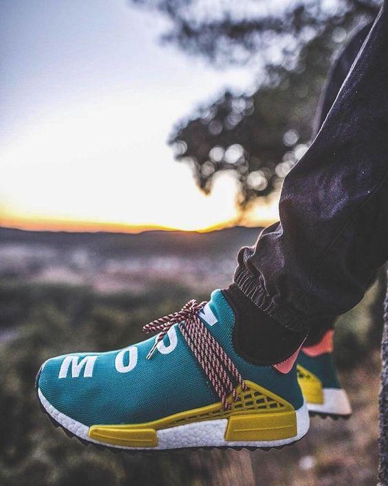 Giày thể thao human race