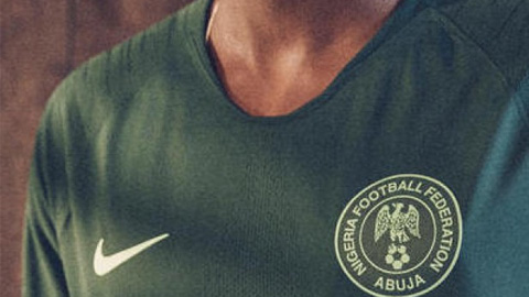 Ao Nike tuyen Nigeria di