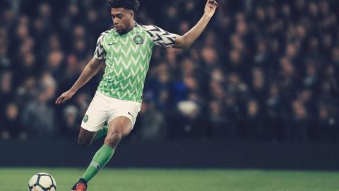 Ao Nike tuyen Nigeria về