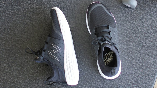 Giày New Balance Cruz