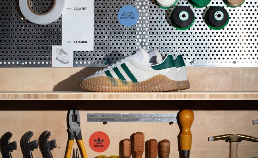 Giày adidas Original COUNTRY x KAMANDA