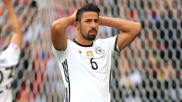 Áo cầu thủ Sami Khedira số 6