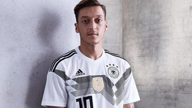 Áo cầu thủ Mesut Ozil số 10