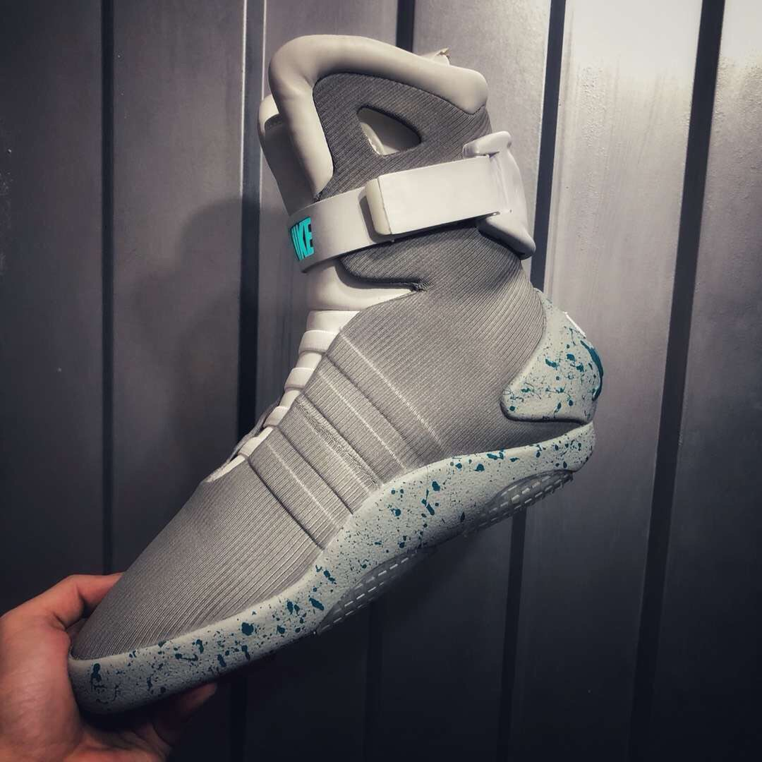 Giày Nike air Mag Back to the Future McFly