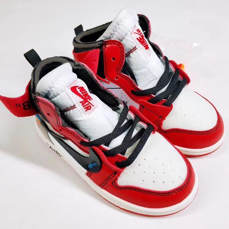 Giày thể thao jordan OW003