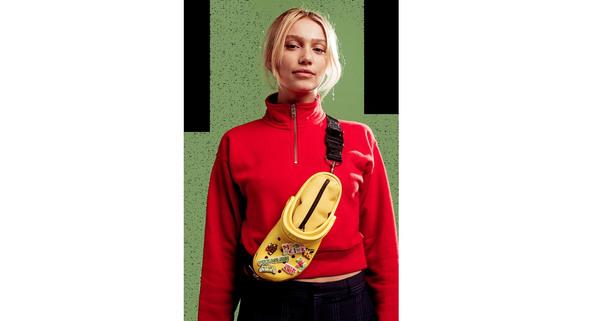 PizzaSlime biến đôi Crocs thành chiếc túi đeo chéo độc đáo