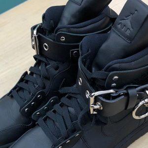 Tiếp tục là một đôi sneaker mới xuất hiện tại Paris FW 19 – CDG x Air Jordan 1