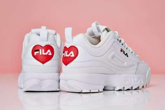 """""""Đốn tim"""" nàng bằng đôi FILA Disruptor mùa Valentine"""