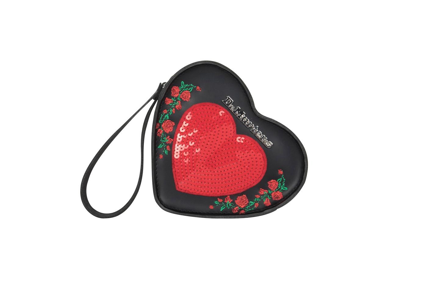 """Dr. Martens phá cách với """"Trái tim hư hỏng"""" ngày Valentine"""