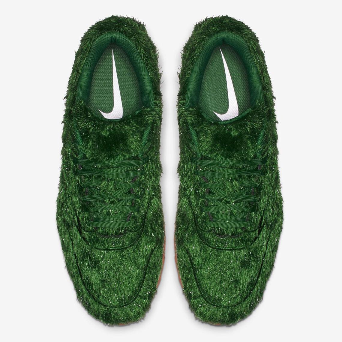 """Nike chơi lớn khi mang cả """"thảm cỏ xanh"""" lên Air Max 1"""