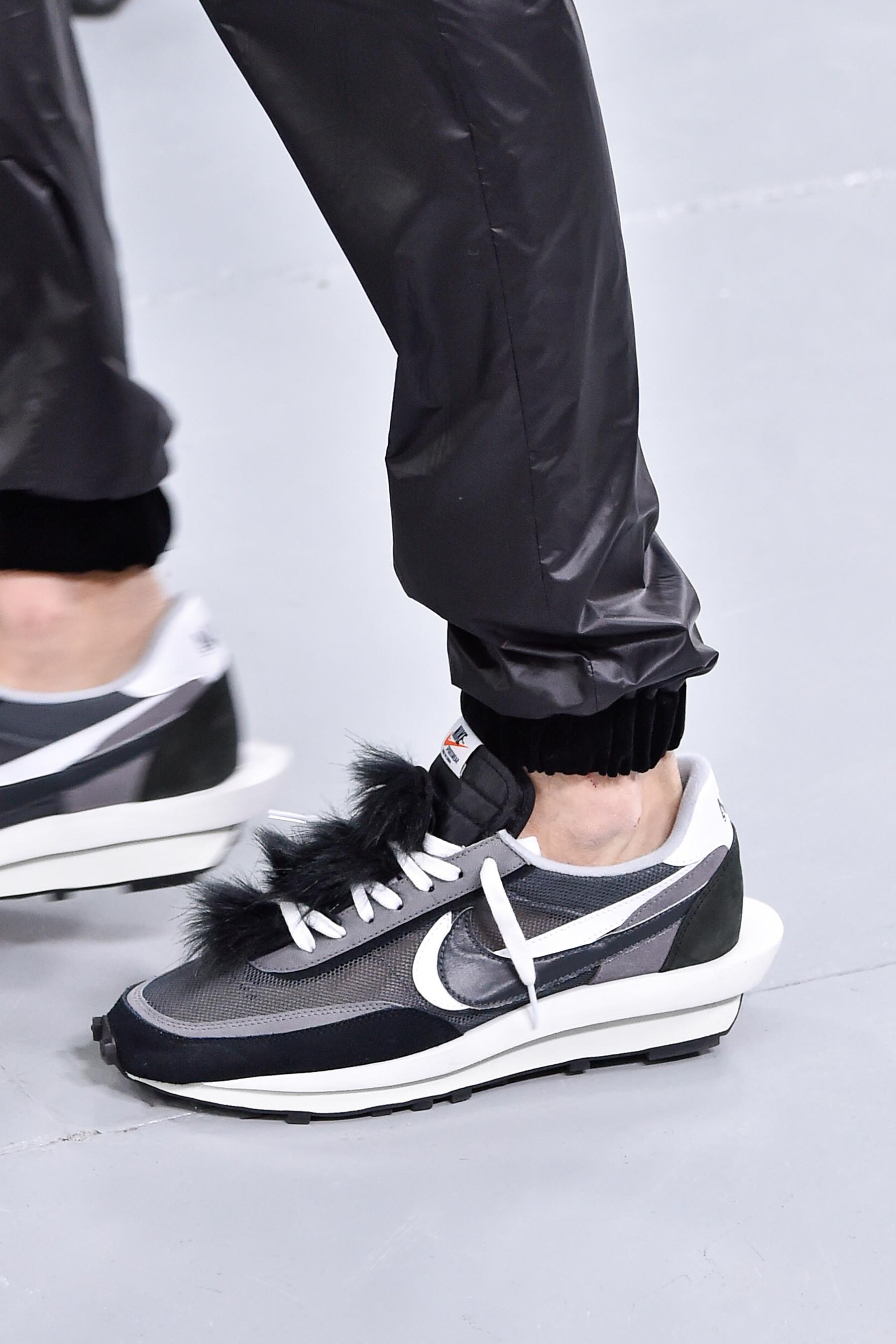 sacai và Nike tung ra thiết kế sneakers mới tại sàn diễn thời trang Paris Thu/Đông 19