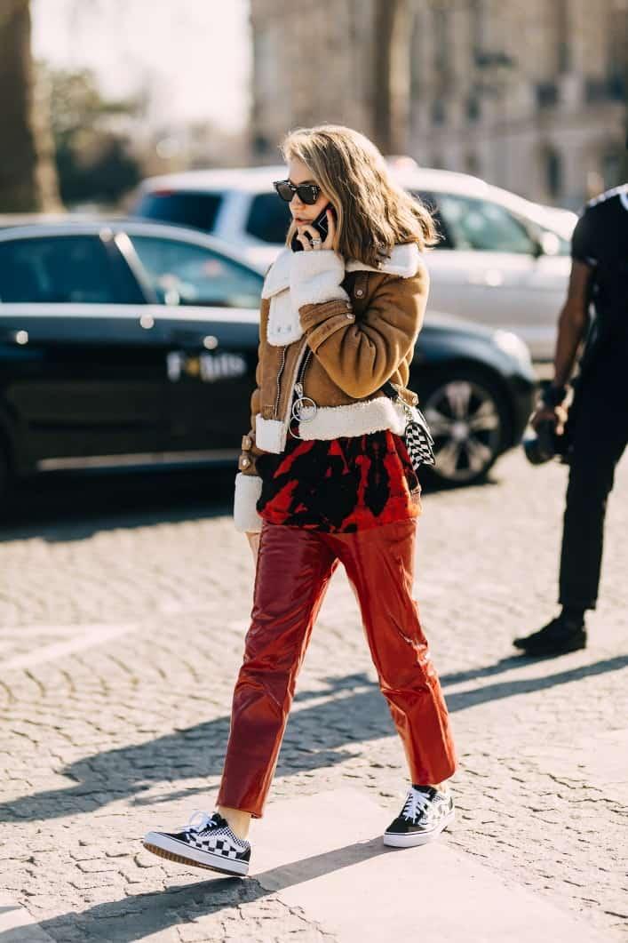 Soi giày của tín đồ thời trang tại Paris Fashion Week FW19 RTW ngày hai