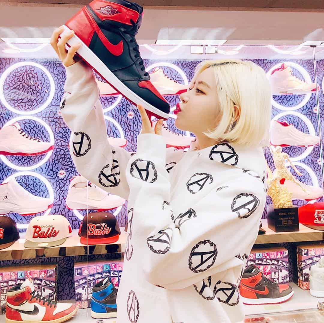 """DJ Soda – Nữ DJ với bộ sưu tập sneakers """"KHỦNG"""" hàng đầu hiện nay"""