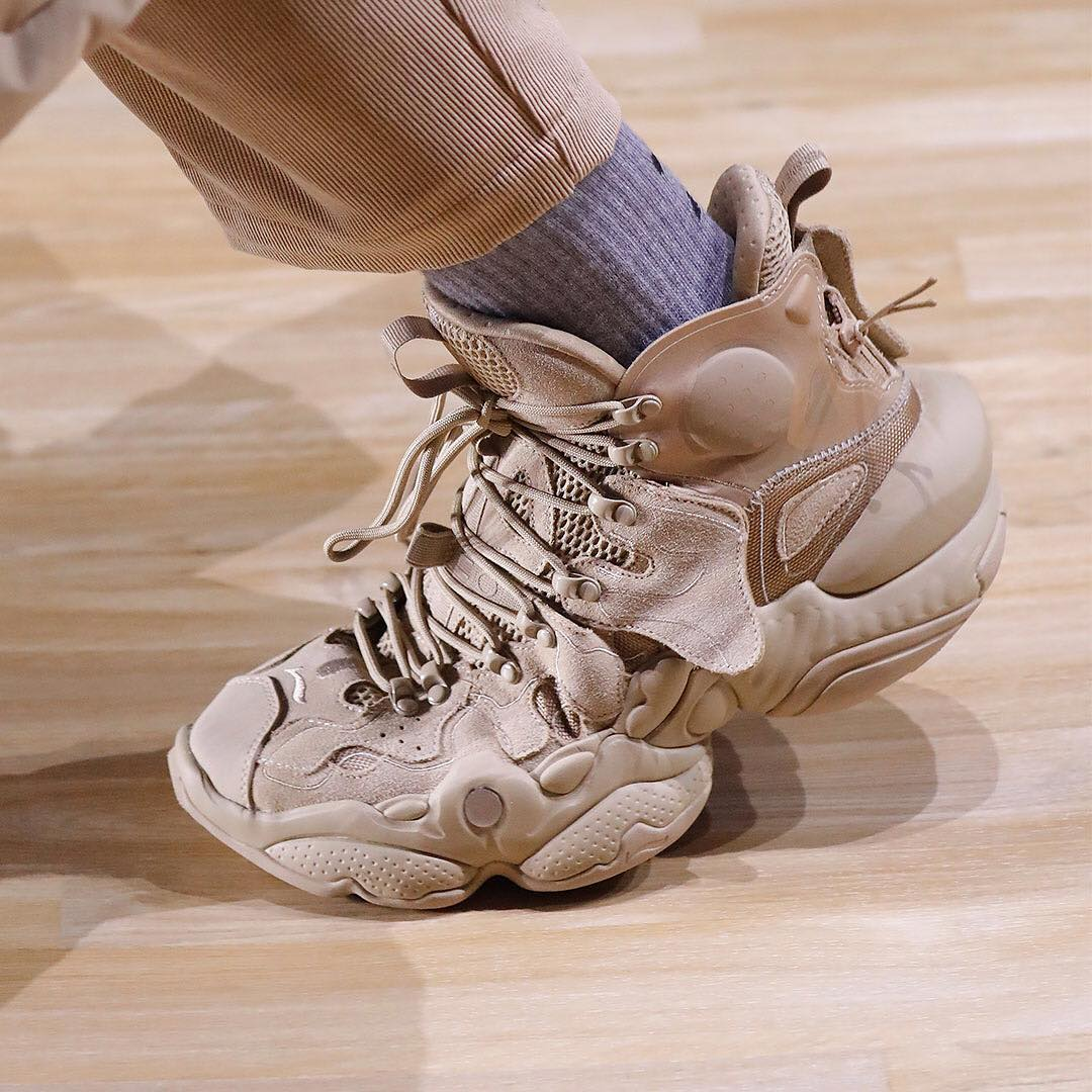 Điểm qua một số thiết kế sneakers rất xịn của Li Ning xuất hiện tại NYFW