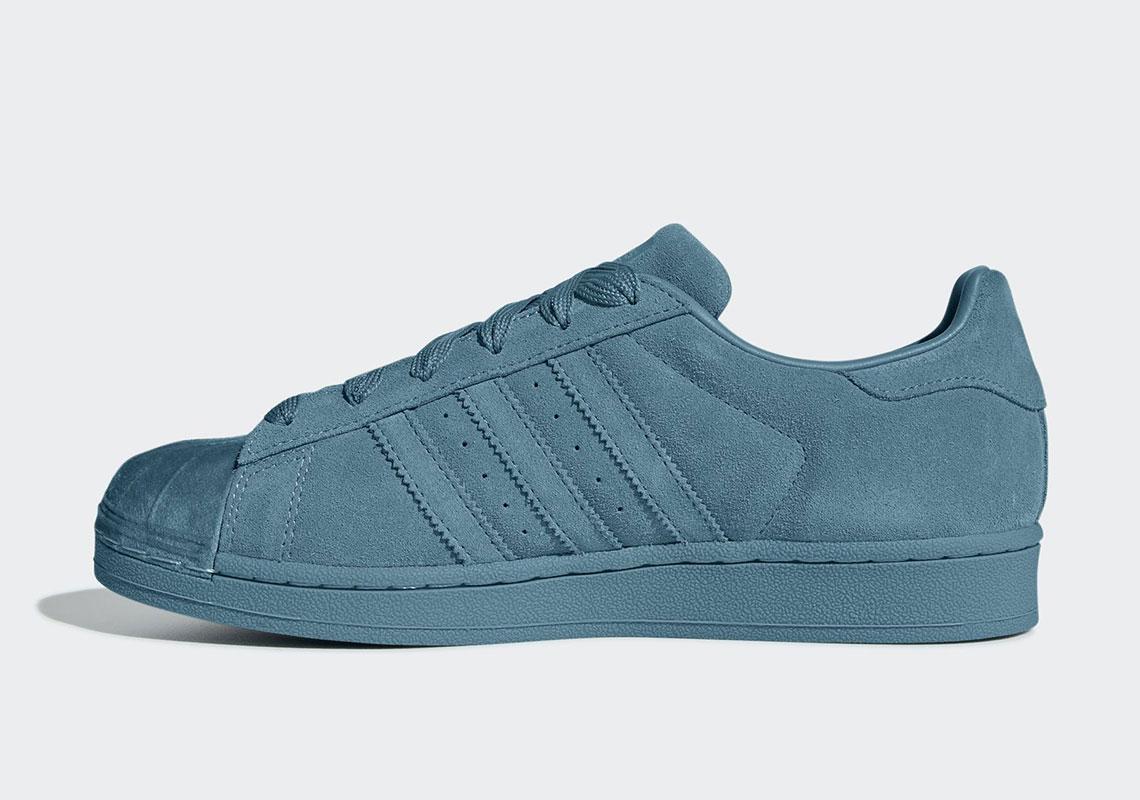 adidas Originals mang Superstar trở lại với bốn phối màu Tonal mới