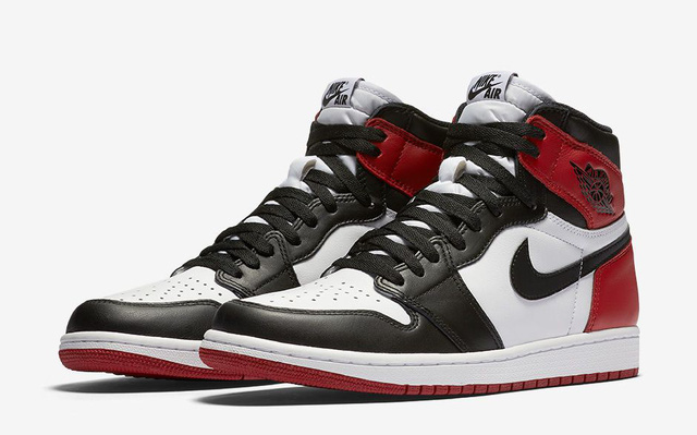 "Air Jordan 1 High ""Black toe"""
