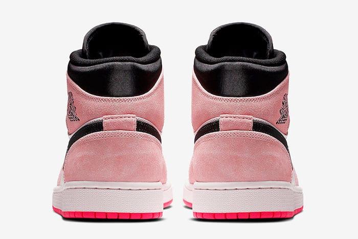 """Một chút điệu đà cho phái nữ với phiên bản Air Jordan 1 """"Crimson Tint"""""""