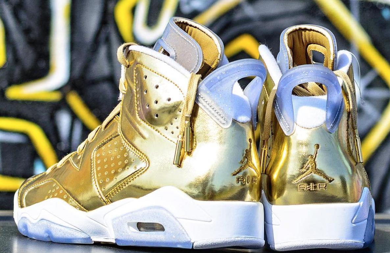 """Air Jordan 6 """"Gold Oscar Award"""" nhảy vọt lên gần 70 triệu đồng"""