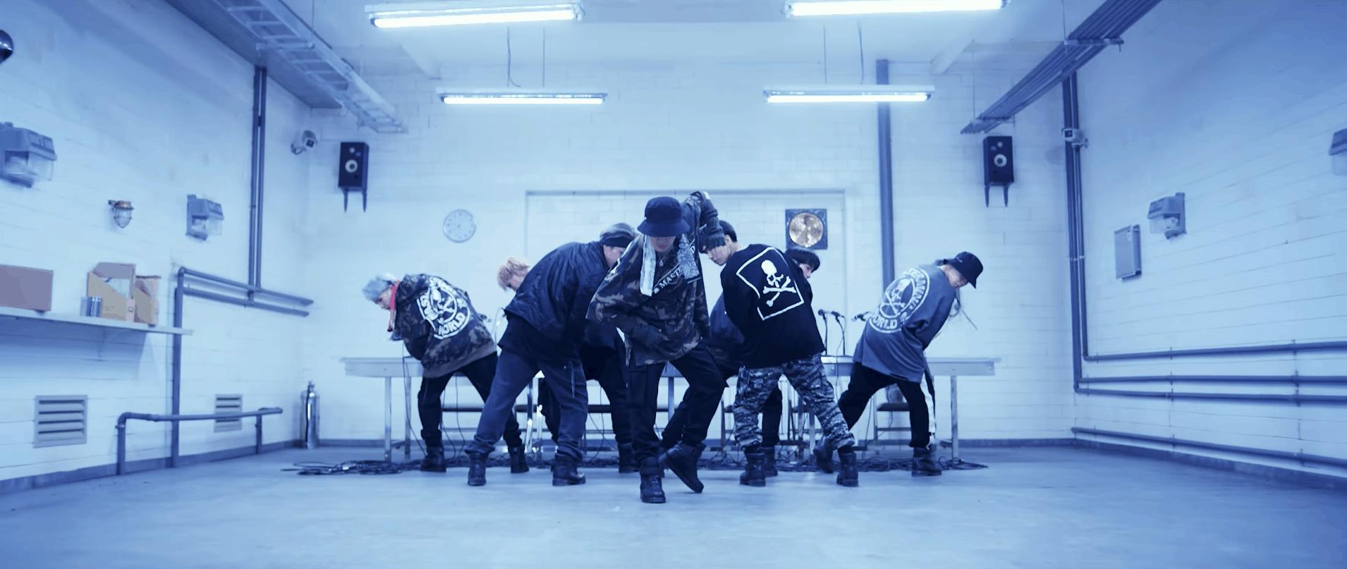 """Boyband đẹp trai, tài năng và xuất hiện trong các outfit """"chất"""" chính là BTS chứ còn ai"""