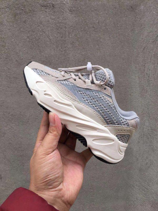 Giày thể thao trẻ em Yeezy 700 mã YY7004