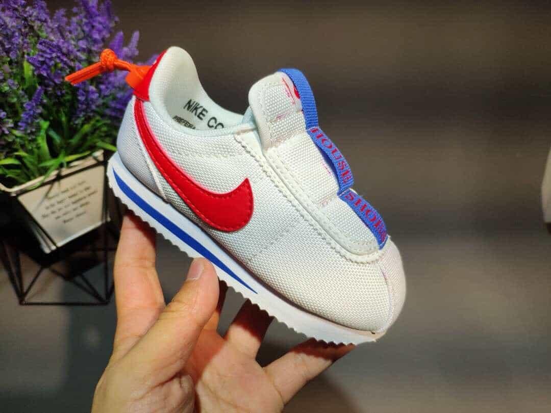 Giày thể thao bé trai từ 2 đến 10 tuổi