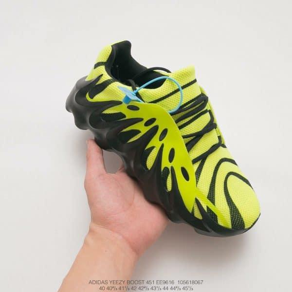 Giày adidas yeezy boost 451 màu đen pha vàng