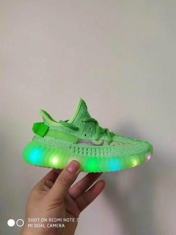 Giày trẻ em adidas yeezy 350 màu xanh cốm